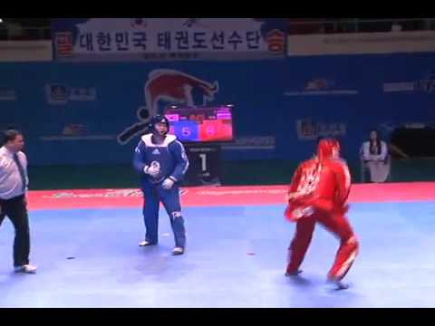 Showing the world the dynamics of taekwondo competition. Korea vs Russia Image 1