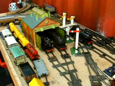 HORNBY CLOCKWORK O GAUGE TRAIN.    DSCF0261.AVI