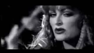 Watch Wynonna Judd When Love Starts Talkin video