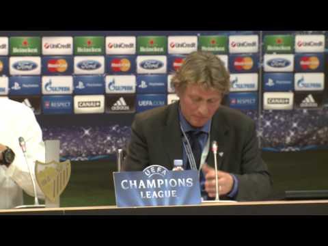 BVB Pressekonferenz nach dem Champions League Spiel Malaga CF gegen Borussia Dortmund 0:0