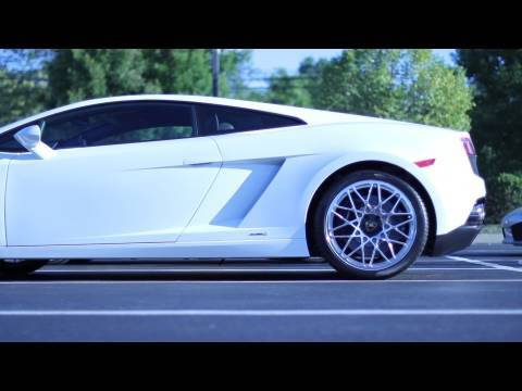 RACE | Lamborghini Gallardo LP560-4 vs. Gallardo Coupe
