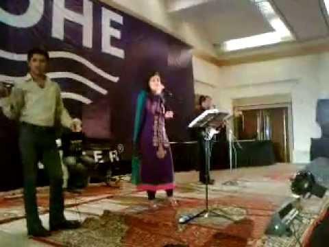 Sara Raza Khan Pakistani Female Singer video