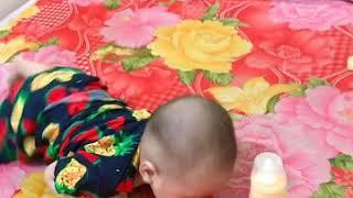 Tập bé trườn - Đậu Bắp