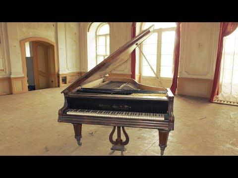 Lostplaces: Altes Klavier gefunden (Ehemaliges Gutshaus)