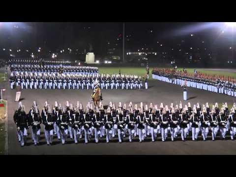 Desfile cadetes Escuela Militar de Chile 2011 HD