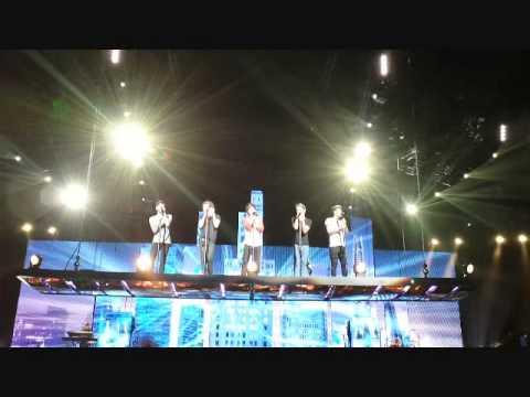One Direction Sydney 2013 Concert