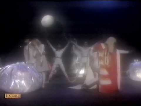 Laurie Anderson - O Superman (Top Of The Pops 1981, Zoo dance routine)