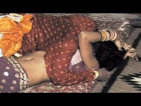 Hot Rajasthani Video Latest 2012 - Raat Bhar Neend Na Aayi (nakhrali Bhabhi - Byayaji Neend Udaaiyo) video