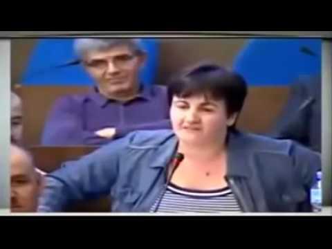 """برلمانية جزائرية تفجرها مباشرة على الهواء """" المغرب واعر علينا بزاف """""""