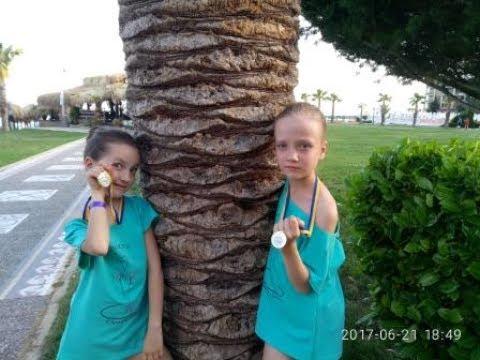 Выступление в Болгарии. Наши медали - серебро и бронза  . Как Сестрички шоу выступали в Болгарии .