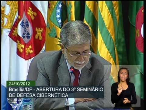 Ministro Celso Amorim abre seminário sobre Defesa Cibernética