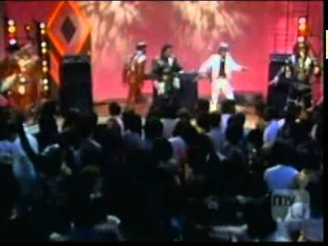 Grandmaster Flash & Furious 5 - The Message Live at Soul Train