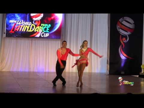 ROBERTO QUARESMA & DARIA NOVOSELO, CANADA, AMATEUR SALSA ON 1, FINAL ROUND, WLDC 2014