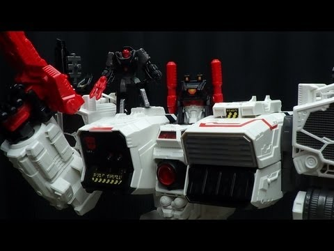 Generations Titan METROPLEX: EmGo's Transformers Reviews N' Stuff