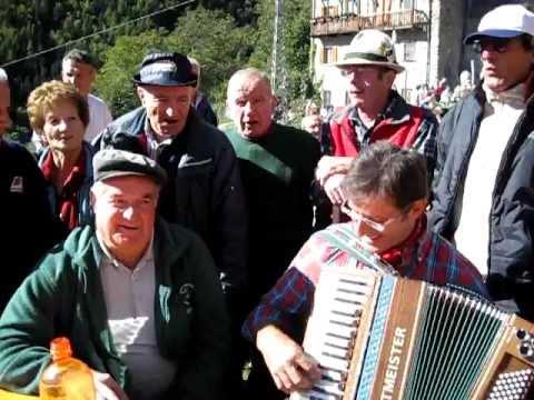 """""""Piemontesina""""….Castagnata a Pusdosso 2011, Girato da Davide Bonadeo"""