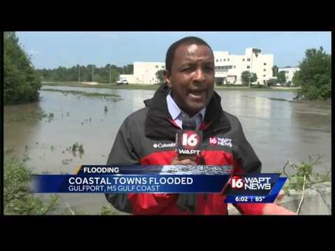 Flash flooding hits Gulfport