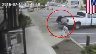 80-year-old hero man jumps onto pickup truck to catch bicycle thief - TomoNews