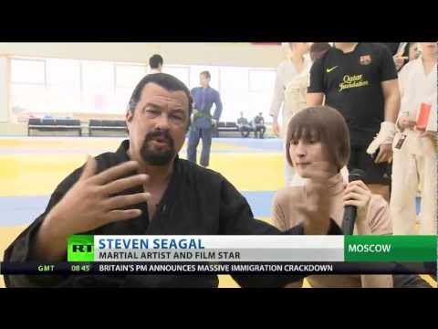 Steven Seagal shares aikido expertise with Russians