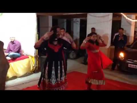 Dance On Radha Teri Chunari In Society video