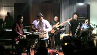 download lagu Glenn Fredly Ft. Indra Lesmana - Kamu Harus Pulang gratis