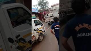 Khandwa News : ग्रामीणों ने गौवंश से भरे 8 वाहन को रोककर 20 लोगों को पकड़ा, लगवाई उठक-बैठक 4