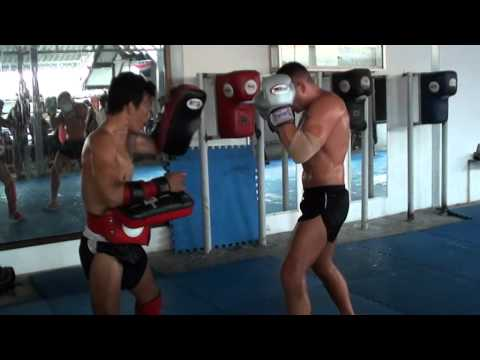 Muay Thai training at Lamai Gym-Paweł