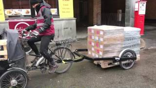 Pling Transport trying out the Bicylift trailer using a Nihola cargobike