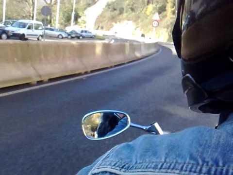 Los tiraos en moto por Galdacano...wmv