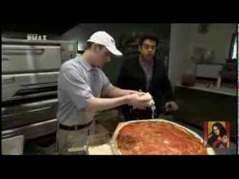 Man vs Food – La pizza carnivora