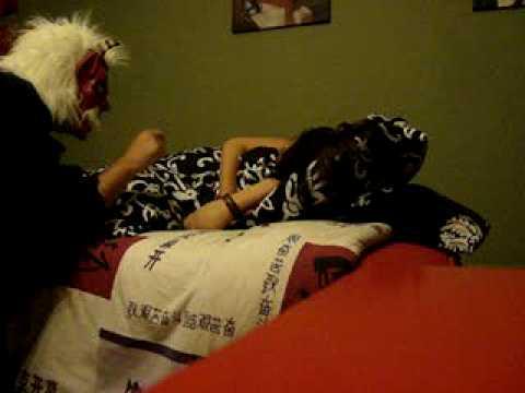Sustos - Susto mientras duerme con una careta