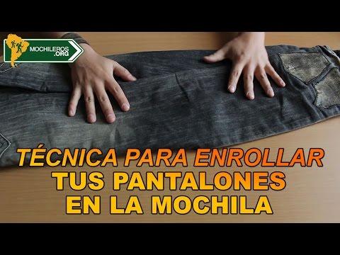CÓMO DOBLAR Y EMPACAR PANTALONES EN EL EQUIPAJE O MOCHILA