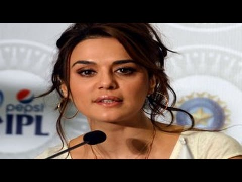 Angry Preity Zinta SNUBS reporter for asking about ex-boyfriend Ness Wadia