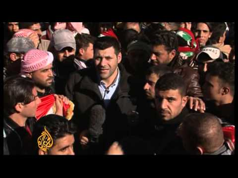 Iraq mass protests mount pressure on Maliki