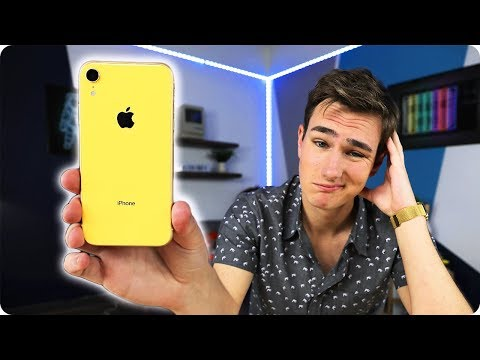 The iPhone XR Doesnвt Suck..