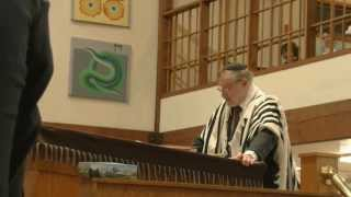 READING THE MEGUILAH OF ESTHER  -Lectura de la Meguila de Ester 5774 -Bais Torah Cong. Monsey, NY