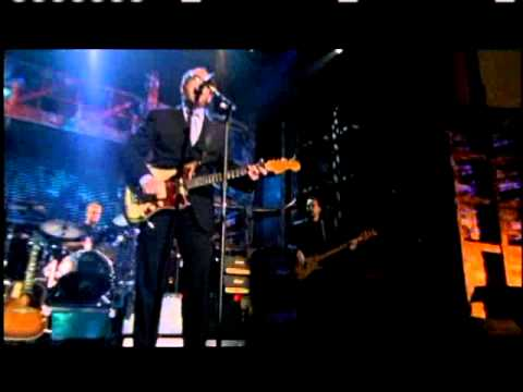 Elvis Costello and the Attractions perform Rock and Roll Hall of Fame inductions 2003