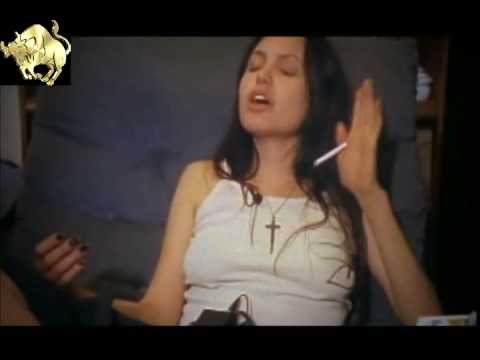 Angelina Jolie Smoking 5