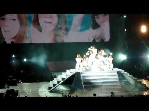 110911 SNSD Genie Opening in taiwan HD Girls