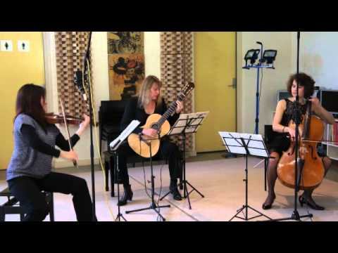 de Fossa - Trio Opus 18 No. 3 for Violin, Guitar and Cello - 2 - Romance: Andante sostenuto