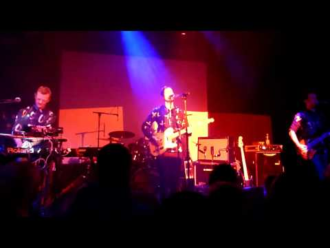 DJANGO DJANGO - Love's Dart - Live @ Gebude 9 Cologne Kln Germany 17-Nov-2012 www.djangodjango.co.uk http