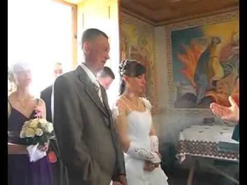 весілля в селі... молодий реально завтикав)