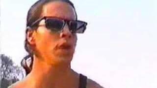 download lagu Anthony Kiedis + John Frusciante Under The Bridge gratis
