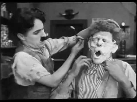 Чарли Чаплин  парикмахер