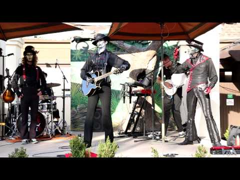 Steam Powered Giraffe: Everyone's weird except The Spine and Steve (dialogue)