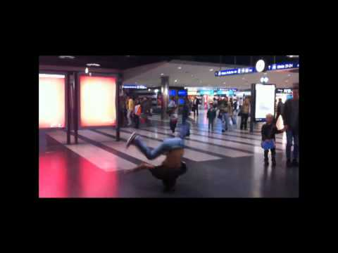Point Of No Return Crew - Breakdance At Zürich Hb video