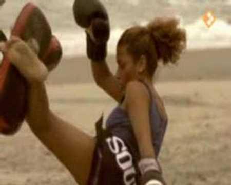 Het sterkste meisje van de wereld youtube - Meubilair tv thuis van de wereld ...