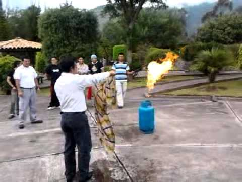 Apagar cilindro de gas youtube for Valor cilindro de gas