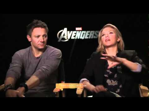 Scarlett Johannson Jeremy Renner interview by Monsieur Hollywood 'The Avengers'