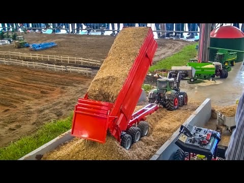 RC tractor ACTION! R/C tractors working hard!
