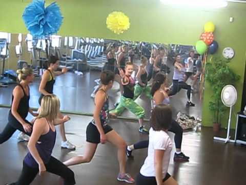 Pause - Pitbull (zumba Mix) video